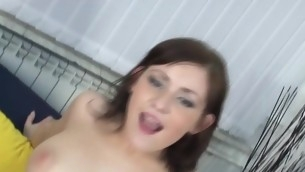 Legal Age Teenager honey stimulates her clit and shows round butt