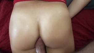 Gal gives priceless oral job previous to getting wet holes beaten well