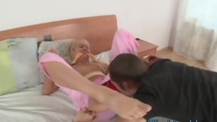Stunning slut is feeling stout-hearted orgasms immigrant precious anal sex